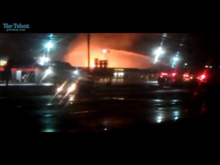 Взрыв грузовика с пропаном на Заправке. США